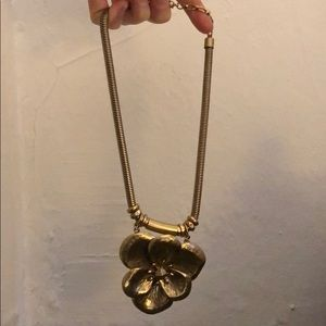 Jewelry - Gold large pendant flower necklace